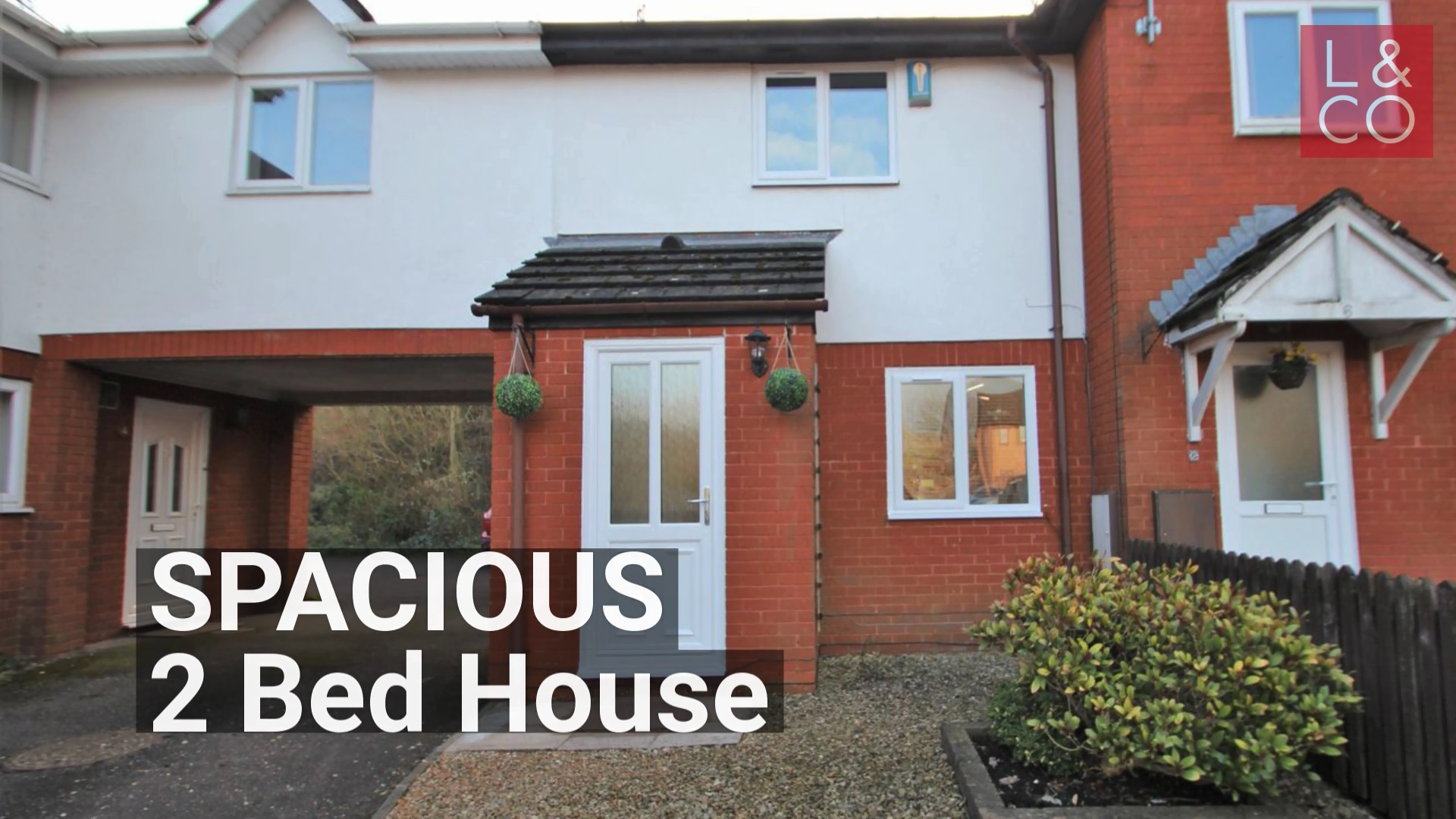 REDECORATED SPACIOUS HOUSE - Silver Fir Square, Rogerstone